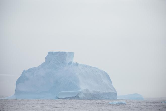 antarctica-first-iceberg